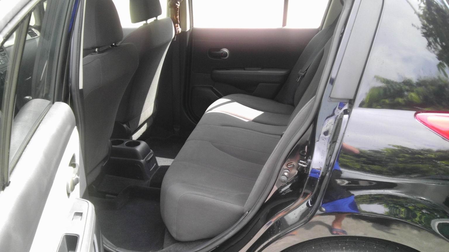 8.2万转让带全保日产骐达大两厢 手动舒适还在保修期高清图片