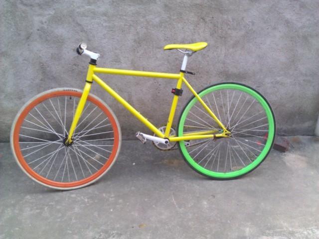 放黄色活飞 自行车及装备交易专区图片