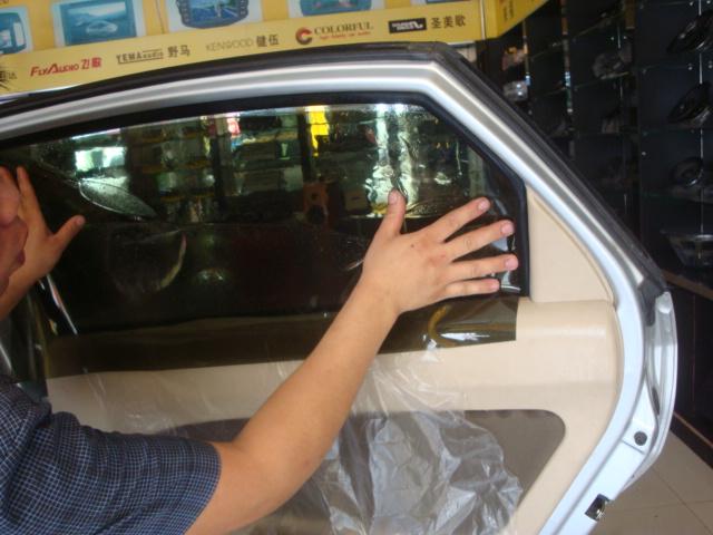 佛山专业汽车贴膜 奇瑞风云2全车贴北极光防爆膜 汽车服务高清图片
