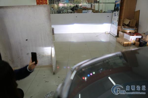 新款crv升级海拉5透镜 顶级飞利浦xv 雾灯双光透镜 汽车服务高清图片